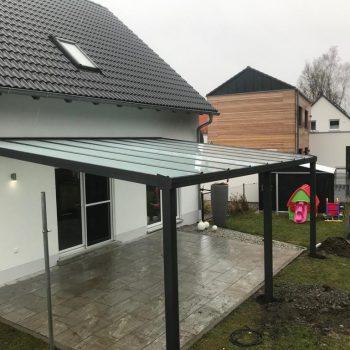 Terrassenüberdachung schütz vor Regen