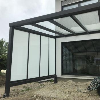 Terrassen Wand mit Überdachung